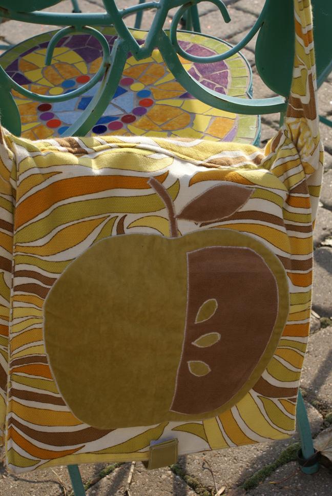 Schoolbag4